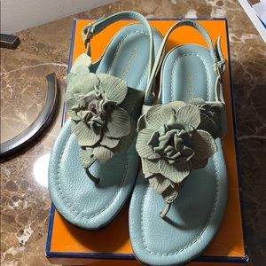 Great condition sandals